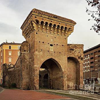 Sophie McAulay - San Donato gate Bologna