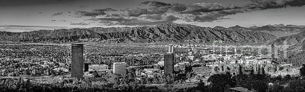 San Fernando Valley Universal BW Clear Day Pano by David Zanzinger