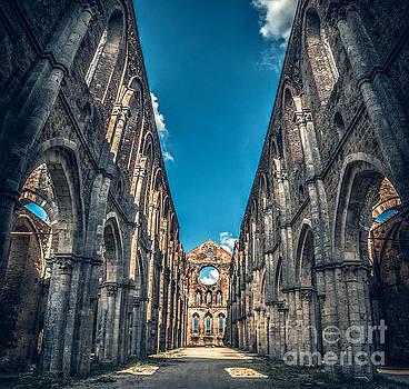 San Galgano Church ruins in Siena - Tuscany - Italy by Luca Lorenzelli