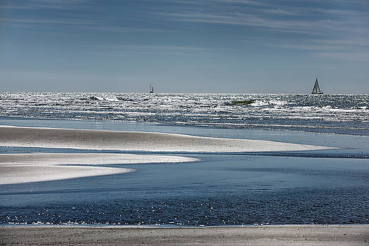 Reimar Gaertner - Sand spits on beach of Nuevo Vallarta looking at Pacific Ocean w