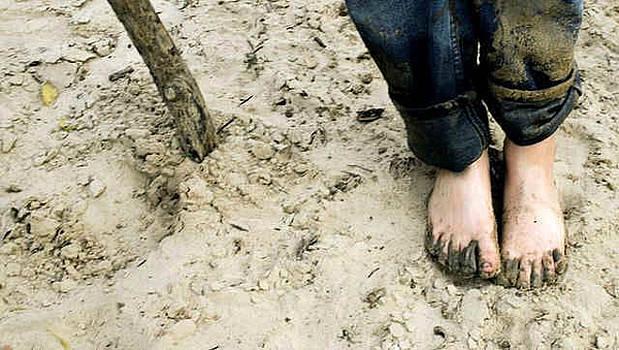 Sandy Toes by Paulette Maffucci