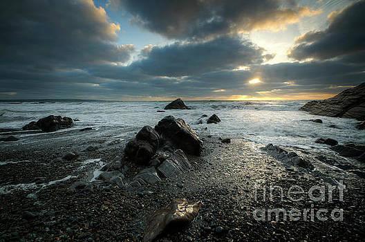 Sandymouth Beach 4.0 by Yhun Suarez