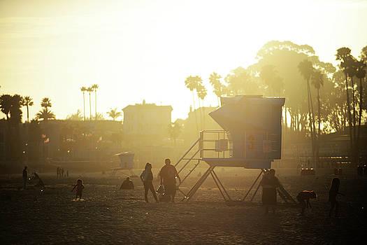Santa Cruz main beach at sunset by Nano Calvo