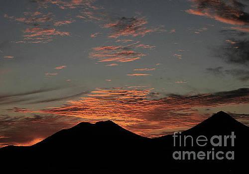 Santa Fe sunset01 by Mary Kobet