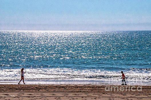 Julian Starks - Santa Monica Beach at play