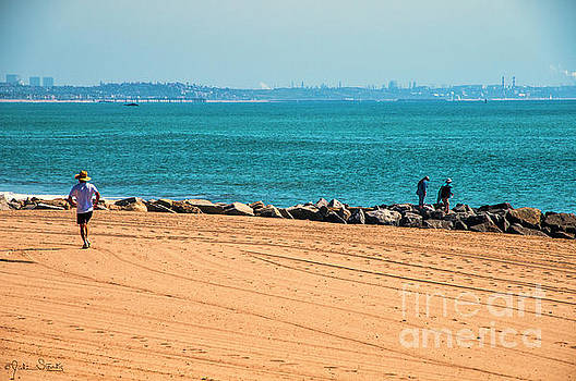 Julian Starks - Santa Monica Beach lone runner