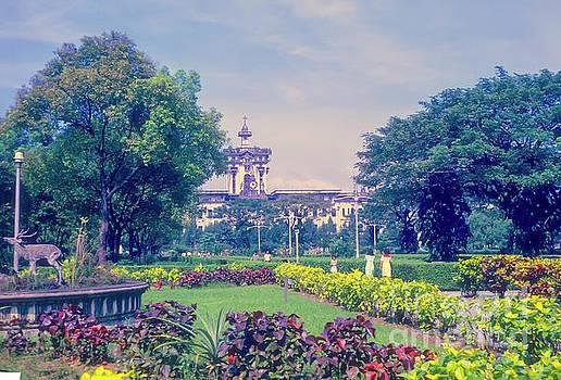 Bob Phillips - Santo Tomas University