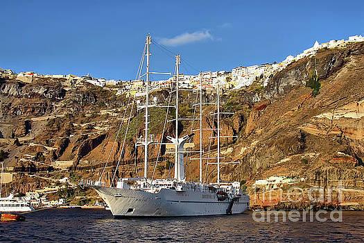 Teresa Zieba - Santorini Landing Port