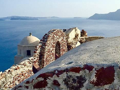 Santorini Rooftop by Leslie Brashear