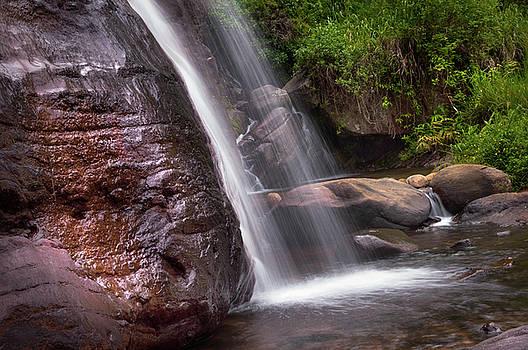 Jenny Rainbow - Saree Ella Cascade. Sri Lanka
