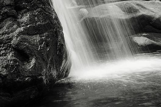 Jenny Rainbow - Saree Ella Water Cascade. Black and White