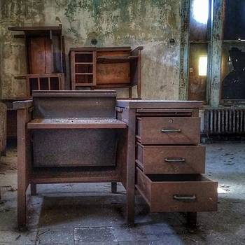 #saveellisisland #decay #beautyindecay by Visions Photography by LisaMarie