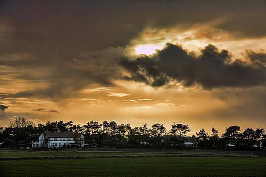Scarisbrick sunset by Susan Tinsley