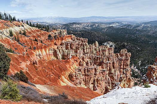 Scenic Bryce Canyon by Evgeniya Lystsova