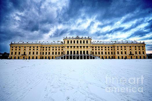Schoenbrunn Castle by Mirko Dabic