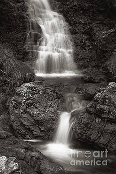Scottish waterfalls by Angel Tarantella