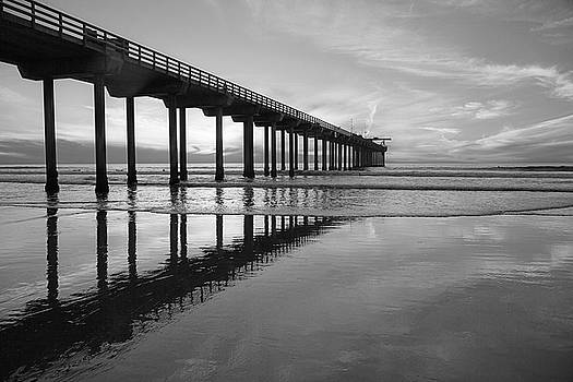 Cliff Wassmann - Scripps Pier black and white