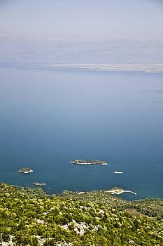 Scutari Lake by Vinko Prenkocaj