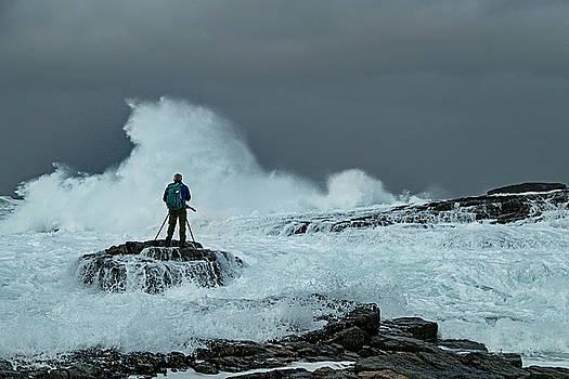 Sea spray by Frank Olsen