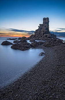 Sea Stack at Green Gardens Beach by Gord Follett