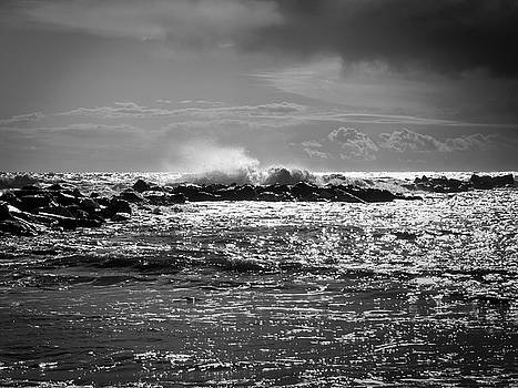 Sea storm by Giovanni Bertagna