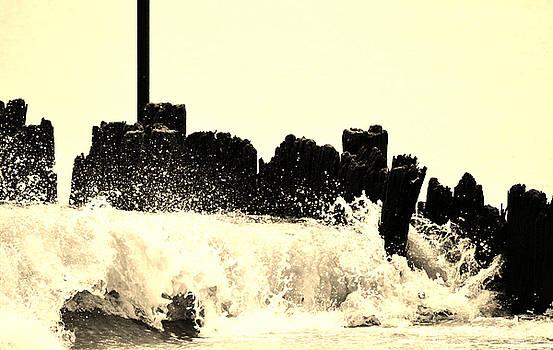 Sea wave by Terepka Dariusz