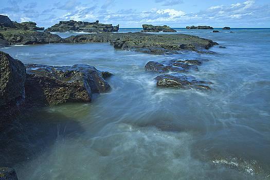 Sea waves II by Arabesque Saraswathi