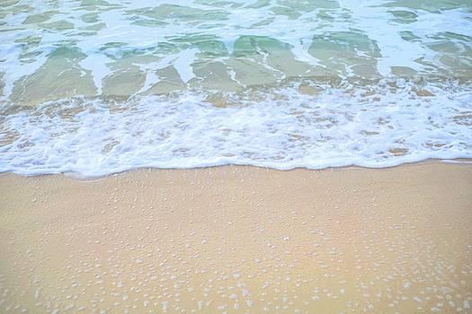 Seashore by Hyuntae Kim