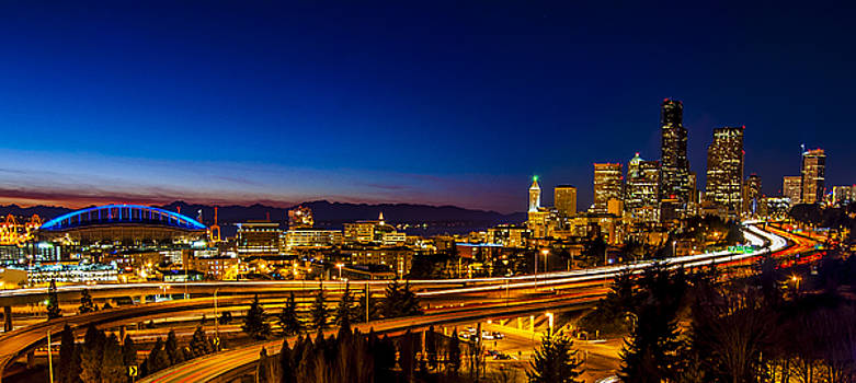 Pelo Blanco Photo - Seattle from the Jose Rizal Bridge