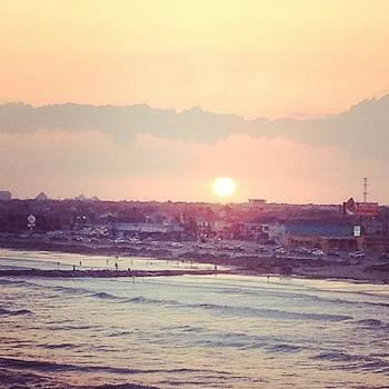 #seawall #galveston #sunset #ocean by Shyann Lyssyj