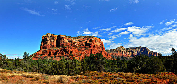 Sedona Mountains by Eric Liller