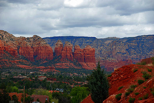 Susanne Van Hulst - Sedona Mountains