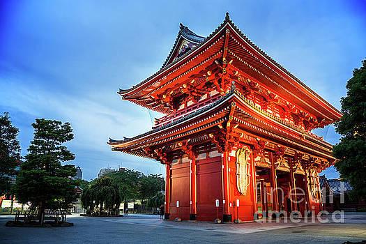 Sensoji Temple by Jane Rix
