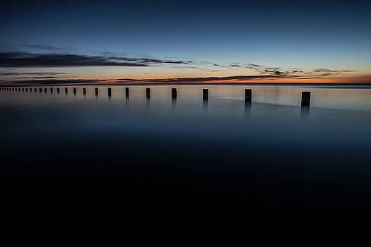 Serene lakefront scene in Chicago by Sven Brogren