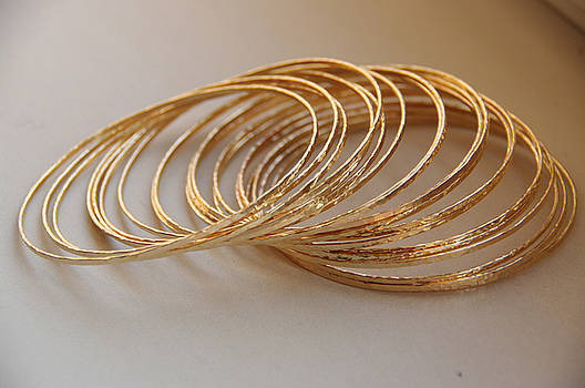Set of 20 thin skinny glamorous 14k gold filled hand hammered stackable bangles bracelets by Nadina Giurgiu