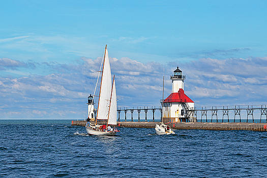 Susan Rissi Tregoning - Set Sail