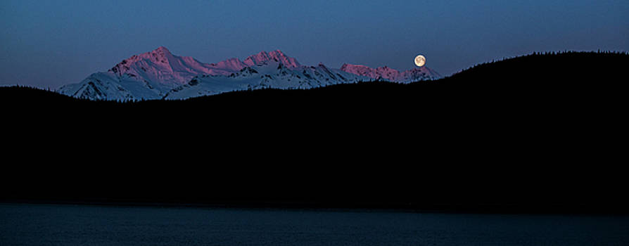 Matt Swinden - Setting Moon over Alaskan Peaks II