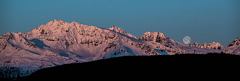 Matt Swinden - Setting Moon over Alaskan Peaks VI