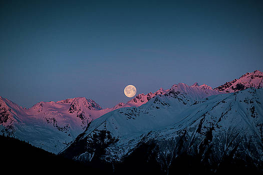 Matt Swinden - Setting Moon Over Peaks III