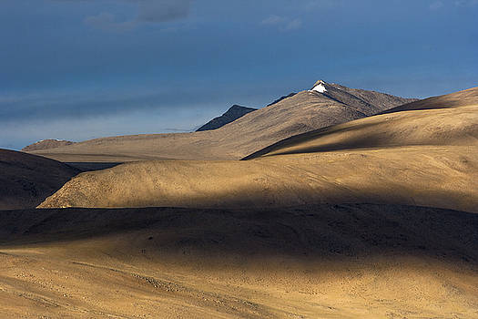 Shadows on hills by Hitendra SINKAR
