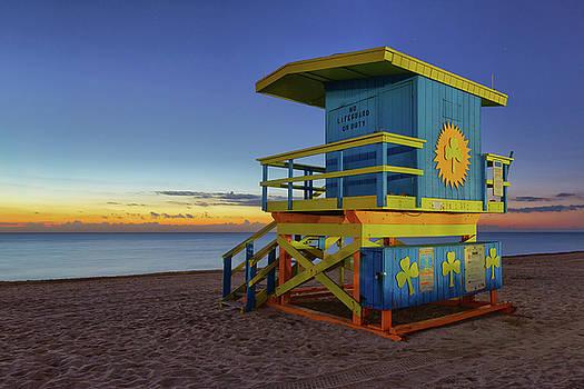 Shamrock Lifeguard Tower by Claudia Domenig