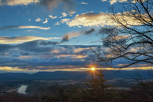 Shenandoah Valley January Sunrise by Lara Ellis