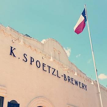 #shiner #spoetzlbrewery #texasproud by Sophia Perez