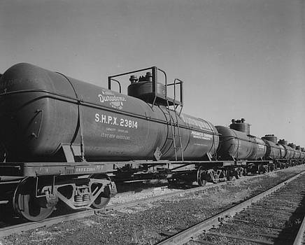 Chicago and North Western Historical Society - Tank Cars on Rails