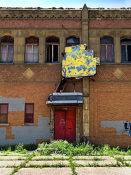 Side Entrance by David Kyte