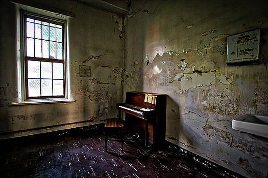Silent Song by Daniel Gundlach