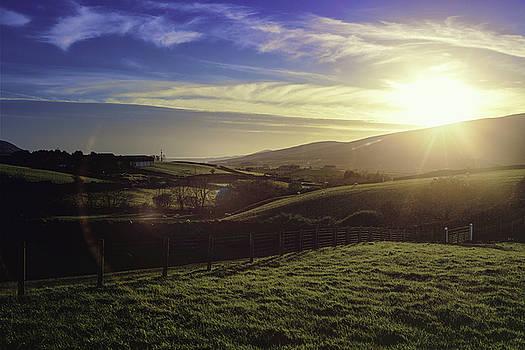 Silent Valley Farm by Chris  Hood