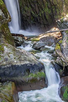 Ross G Strachan - Silver Falls