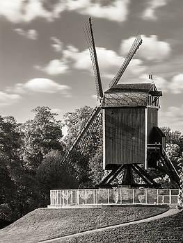 Sint-Janshuismolen by Wim Lanclus