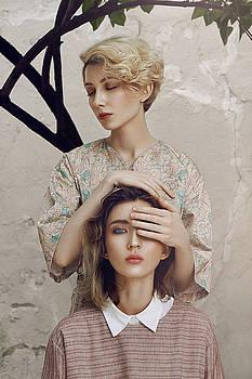 Sisterly love by Natasha Yankelevich
